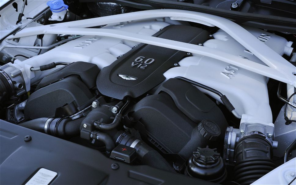 aston-martin-rapide-s-engine-5