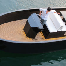 Łódź motorowa De Antonio Yachts D23