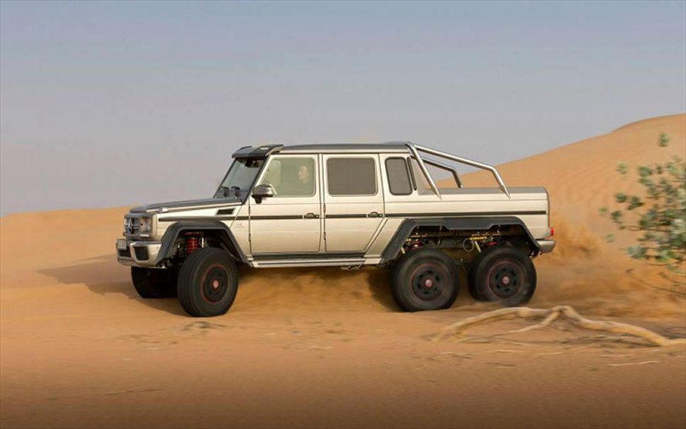 2013-mercedes-benz-g63-amg-6x6-show-car-side-driving-2