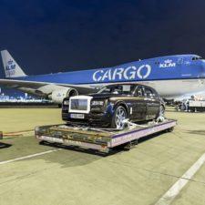 Ile Rolls-Royce'ów zmieści się w Boeingu 747?