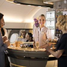 Linie Emirates zaprezentują ulepszony salon pokładowy A380 na targach ITB w Berlinie