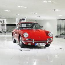 """Odrestaurowana i gotowa do drogi: Porsche Museum po raz pierwszy prezentuje najstarszą """"911"""""""